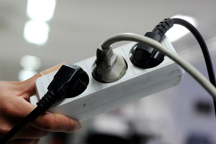 Zašto električni uređaji ne treba da ostanu uključeni u struju?
